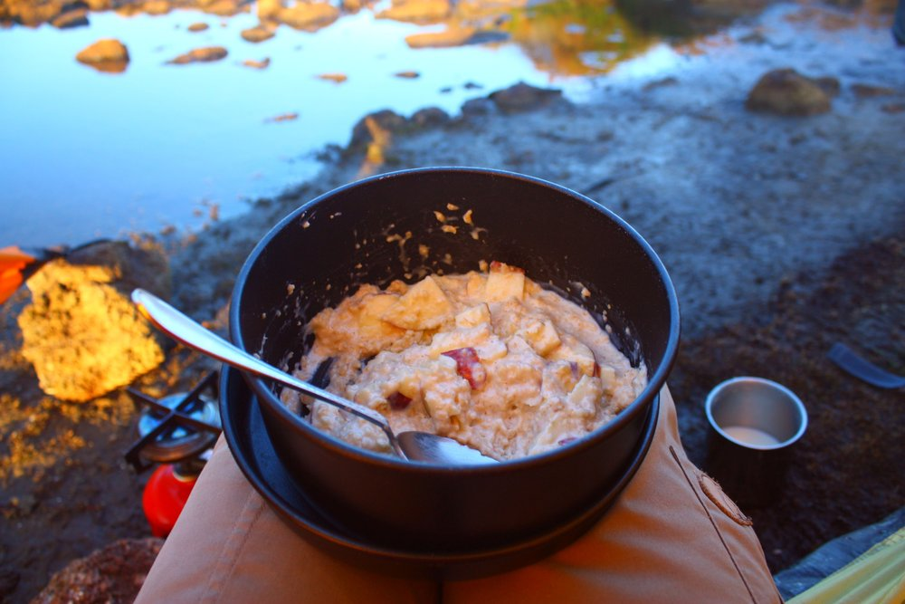 Früstück auf Tasmanien: Porridge vom Gaskocher - © Frieda Knorke