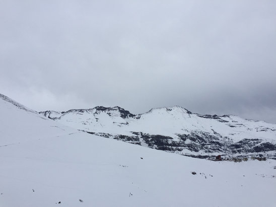Valle Nevado - Been dumping snow since Monday night! Snow incredible, but very foggy!!!! - © Vida's 6plus