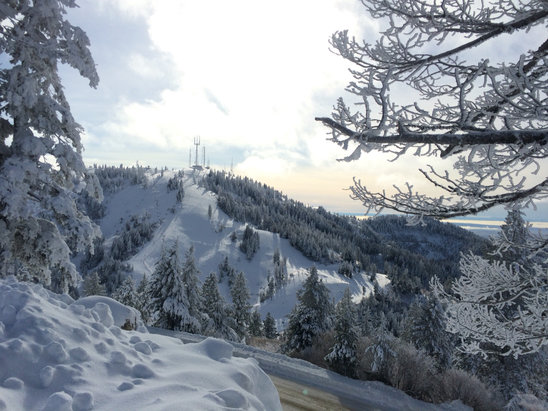 Bogus Basin - Great conditions up here at Bogus for Holiday Break. We are open 9a-9p and it's snowing like crazy! C'mon up and get your freshies in all you powder hounds- snow like this is why we ski and ride. - © BBSnowReporterNick