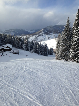 Crested Butte Mountain Resort - Tons of snow! Great skiing! - © Tom's iPhone