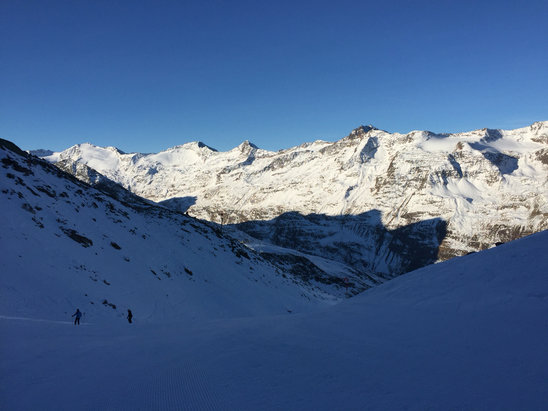Obergurgl-Hochgurgl - Plenty of snow! Good in mornings gets tough after 2 - © Steve's iPhone
