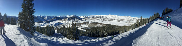 Crested Butte Mountain Resort - Great skiing.  Warmed up nicely.    - © Alligator