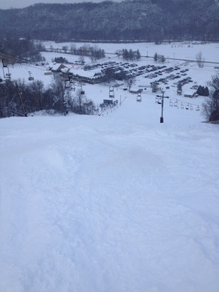 Welch Village - Big powder hits welch. Lots of now on the runs. Hopefully it lasts and they ops more runs.  - © ev