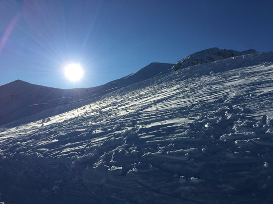 Marmot Basin - A beautiful, bluebird day at Marmot today. Super cold out there, snow hard packed and patchy in places.  - © Geoff Hardy