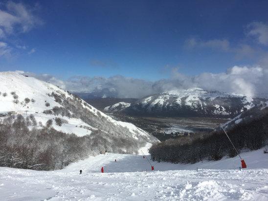 Ovindoli - Oggi grande giornata per Snowboard e Scì,ha nevicato bene quasi tutto il temporale e la era perfetta,se continua così domani sarà ancora meglio.  - © iPhone