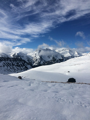 Saint Lary Soulan - Espiaube, St Lary had fresh snow this morning and now blue skies! Perfect  - © Lucy's iPhone