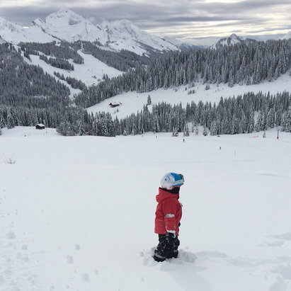 La Clusaz - Great snow but warming up and raining now!  - © iPhone (4)