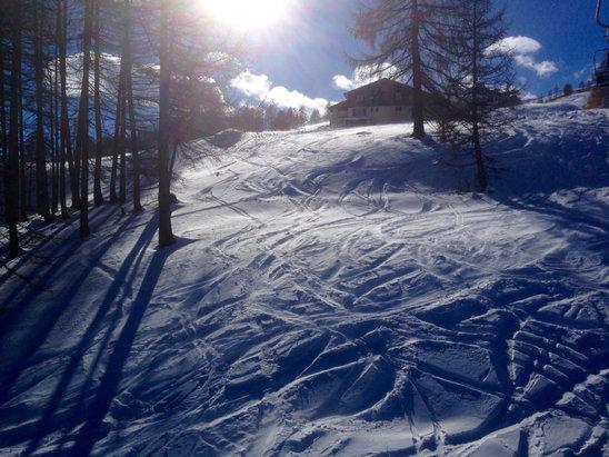 Sainte-Anne la Condamine - tutto aperto e innevato, una spruzzata di neve fresca, il resto artificiale - © iPhone di Luca