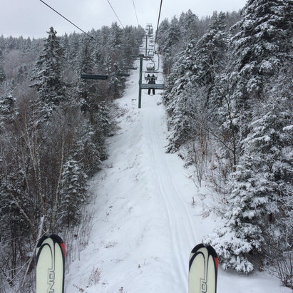 Gunstock - A few inches of fresh powder fell last night and this morning. A few bug trails like flintlock still closed but overall a great day  - © Rhett's iPhone