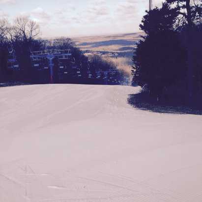 Shawnee Mountain Ski Area - Not 100% open great condition PP, small crowds.