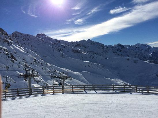 Col de Porte - Très bonne journée neige de qualités malgré un manque évidant de neige en départ des pistes - © iPhone de Clement
