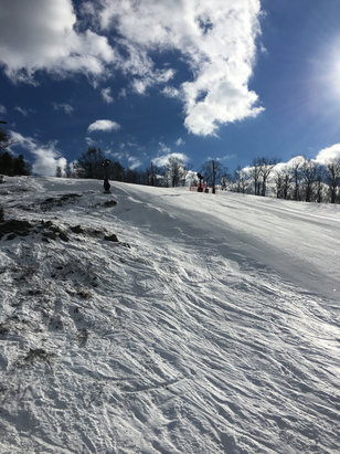 """Mount Peter Ski Area - Conditions are """"ehh""""... But who can complain about the beautiful day! - © Jonathan 's iPhone"""