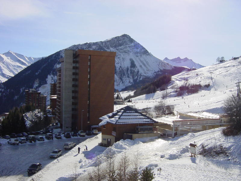 Le Corbier village – hotels and streets