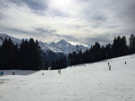 La Clusaz - Beau temps mais neige bof bof... - © IPhone d'aude