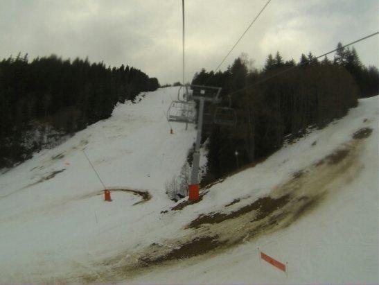"""Les Houches - Un beau résumé du domaine! Sortez vos ski cailloux! Et oubliez Bordercross, Stade de Slalom et Snowpark, tous fermés.  mais aux caisses """"tout le domaine est ouvert """".... - © lolospeedrider"""