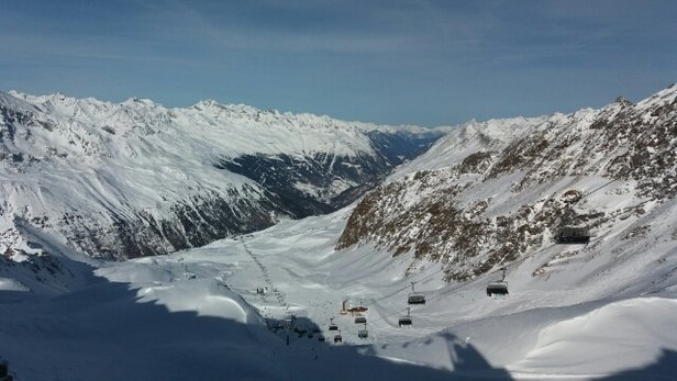 Obergurgl-Hochgurgl - View from Top Mountain Star Sunny Day. Excellent. More snow due tomorrow. - © Deano