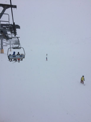 Piani di Bobbio e  Valtorta - Neve fresca, oggi per lo snowboard è top. Sta nevicando da stamattina   - © Kana