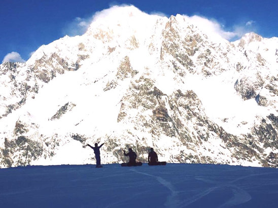 Courmayeur - Great snow and more on the way!  - © iPhone