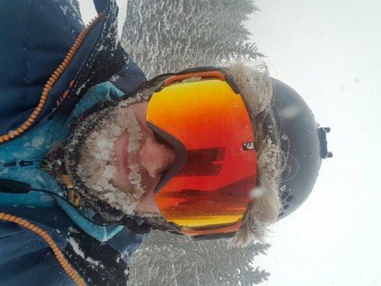 Meribel - heavy snowfall.... powder day!!!!! - © adambarlow21