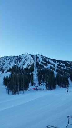 Mt. Rose - Ski Tahoe - Firsthand Ski Report - ©sevenofnevada
