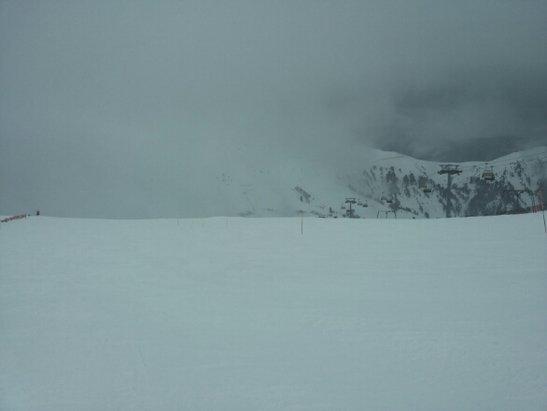 Obereggen - Pampeago - Predazzo - giornata nevosa e ciò nonostante piste in condizioni discrete parte Öbereggen e bellissime parte Pampeago.Tanta neve e bel paesaggio innevato.si scia bene fino alle 13.30/14. - © yamalupin