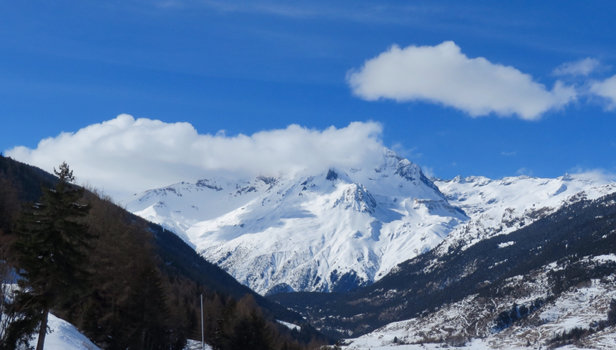 Val Cenis Vanoise - Could do with a dump of snow, some spots hard packed and frozen - © Trevor's iPad