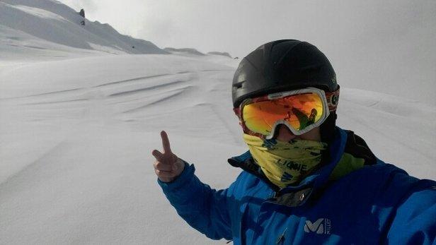 Grand Tourmalet (La Mongie / Barèges) - Nous avions prévu de faire la descente du pic du midi. Le sommet fut bouché toute la journée. Dommage. Manque de neige à bareges. Sur les pistes c'étaient corrects. - © vivian.saintemarie