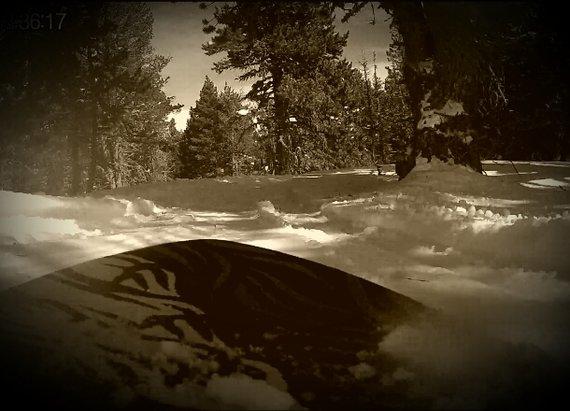Formiguères - une neige bien agreable en bas du domaine. en ce qui concerne la qualité de la neige en haut....ben ça restera une énigme, le vent empêchant l'ouverture complète du domaine. - © fil66