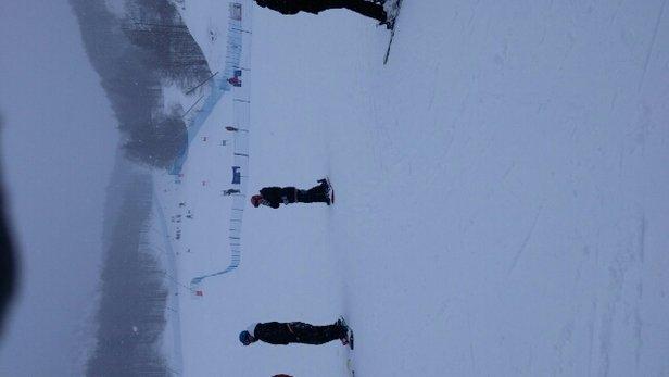 Piancavallo - Troppa neve, in pista dal pomeriggio non si vedeva più niente.  - © caimano80