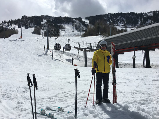 Aspen / Snowmass - [! skireport_firsthandpost_pagetitle ] - © MP's iphone