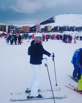Alpe d'Huez - fab skiing conditions, more snow yesterday and today!  - © lisabw72