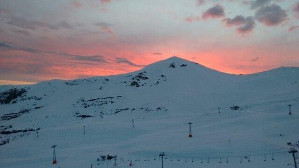 Valle Nevado - Após muitos dias sem nevar, ontem nevou um pouco. - © robinsonchaguri75