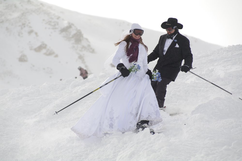 Skiing couple get married at Loveland, CO