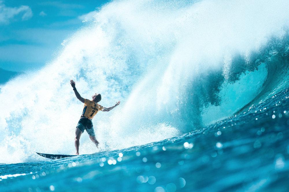Mick Fanning freut sich über seinen Surf und die Freiheit - ©Red Bull Illume | Corey Wilson