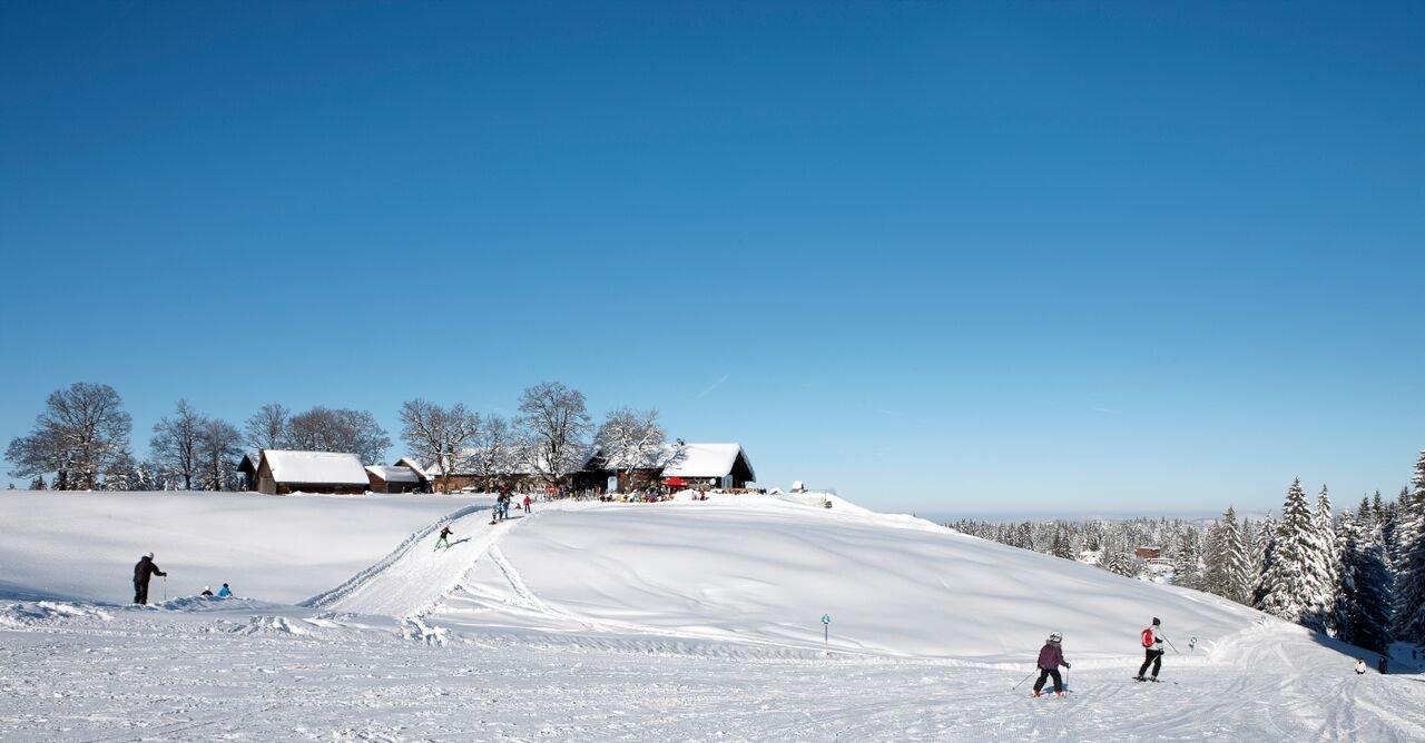 Pistenspaß im Skigebiet Schwarzenberg-Bödele - © Skigebiet Bödele
