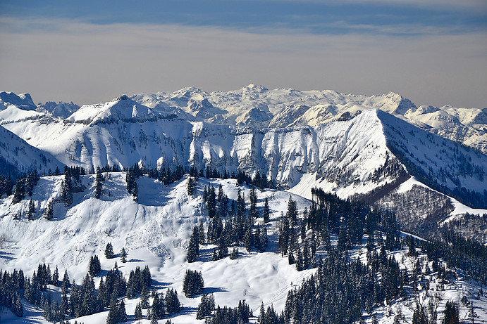 Die umliegende Bergwelt des Skigebiets Postalm Wolfgangsee - © Postalm Wolfgangsee