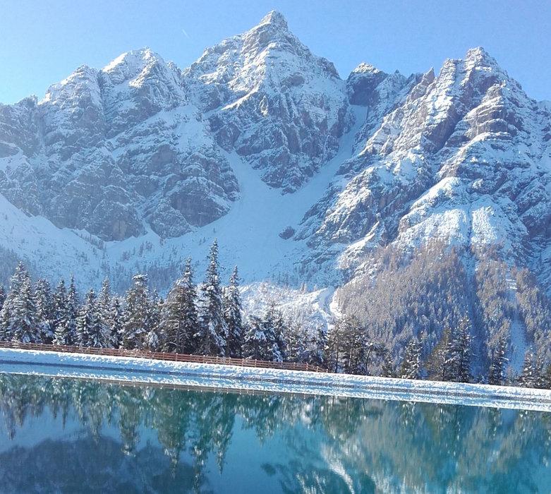 Der Speicherteich im Skigebiet Serlesbahnen Mieders - © Serlesbahnen