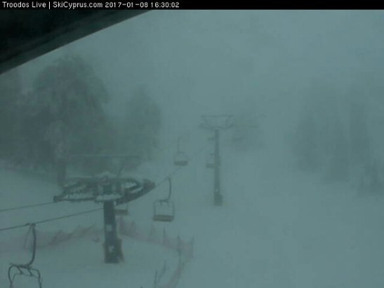 Mount Olympus - 75 cm and snowing - ©anonymous