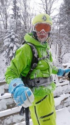 Silvretta Montafon - Pisten sind sehr gut präpariert. Für richtiges Freeride - Feeling fehlt noch ein halber Meter Schnee.  - © bigbandbrutalo