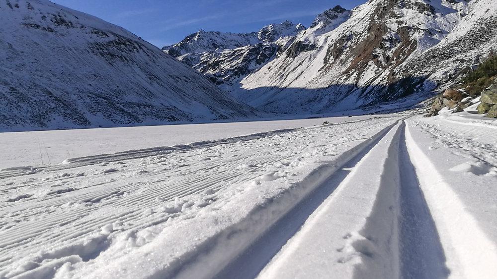 Spuren im Schnee in Rifflsee - © Pitztaler Gletscherbahn GmbH&CoKG