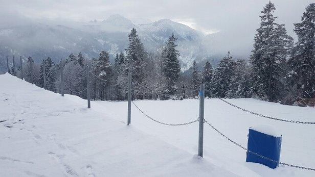 - © skiër