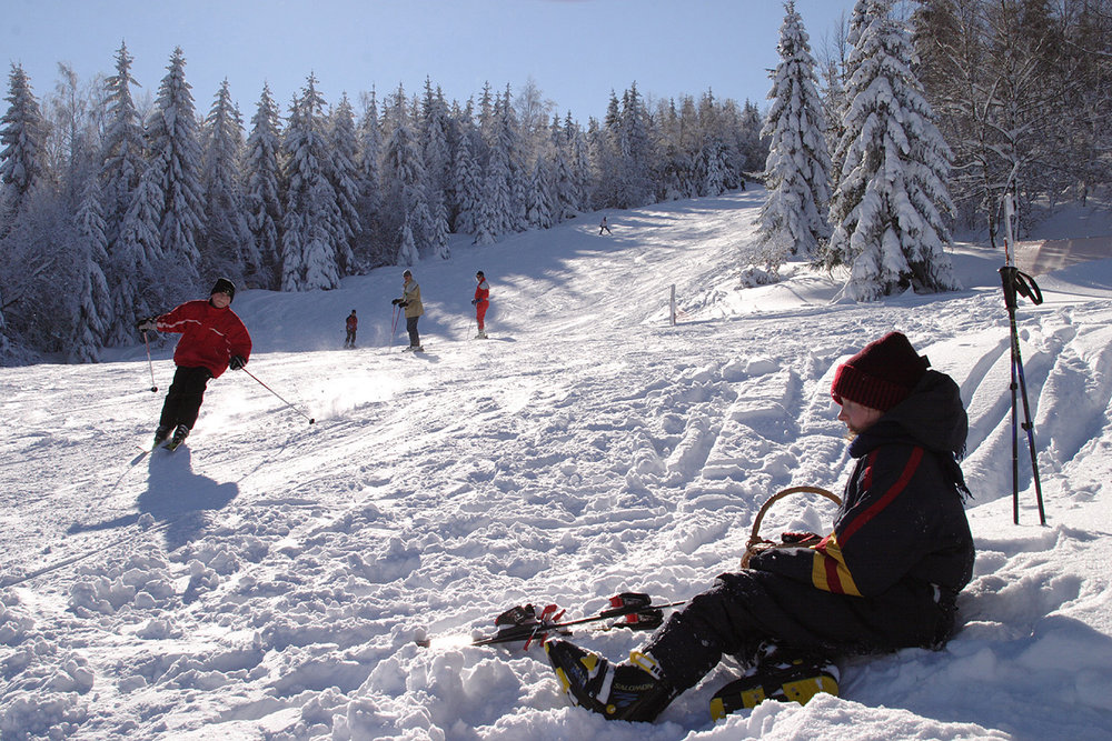 Spaß auf den Pisten im Skigebiet Waldkirchen-Oberfrauenwald - © Tourismusbüro Waldkirchen
