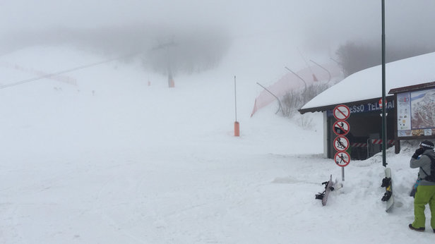 Ovindoli - Oggi non si vedeva nulla.... neve perfetta ma visibilità 0  - © Jump