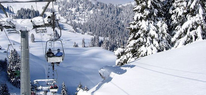 Taking the chairlift up in Villars-Gryon - © Villars-Gryon Tourism