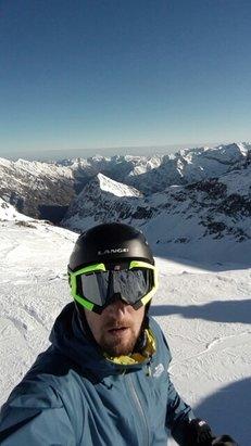 Alagna Valsesia - Monterosa Ski - sole e piste in ottime condizioni  - © luca.perlini