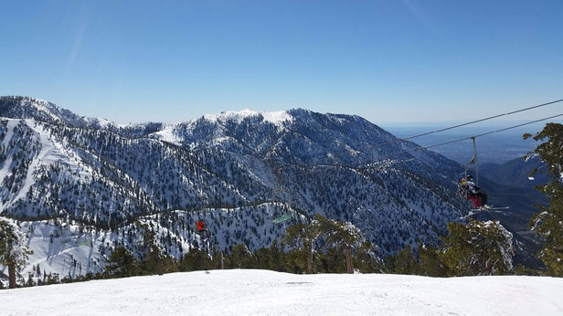 Mt. Baldy - 100% open. great coverage everywhere trees great off chair 3, South Bowl and Emily's. Bentleys to chair 1 was great too. Best terrain in socal so much fun - © iPhone