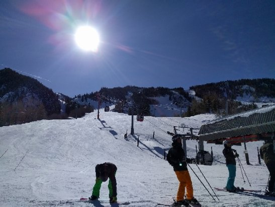 Alta Ski Area - picture perfect day. no crowds excellent conditions.  - © Sk7er