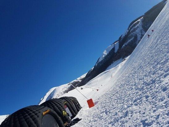 Campo Felice - Rocca di Cambio - giornata stupenda...lunedì 30... neve ottima ... sole splendido... spettacolare  - © Anonimo