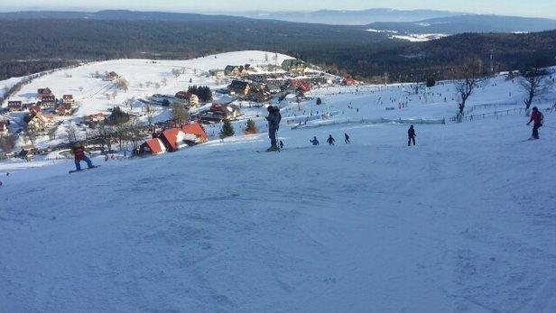 Zieleniec Ski Arena - Warunki super. Kolejki na 5 min stania. Najlepsze stoki w regionie. - © Robert