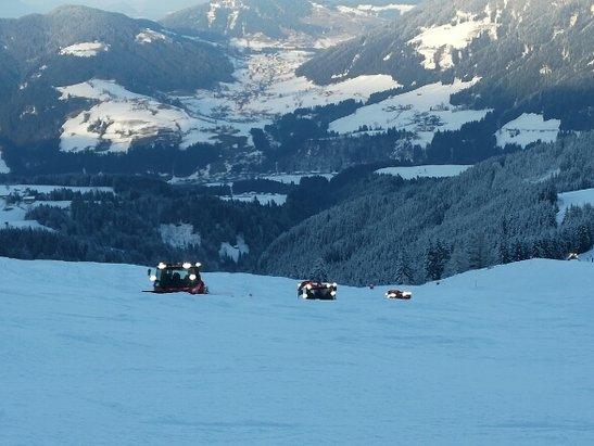 Ski Juwel Alpbachtal Wildschönau - Wetter is ganz okay war ein bisschen Neblig aber sonst gut!  auf dem Schnee kann man gut fahren sind aber leider viele einstellen dabei  - © Unbekannt